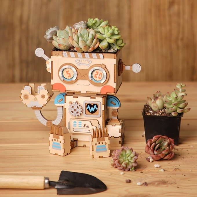 DIY Wooden Flower Pot Robot